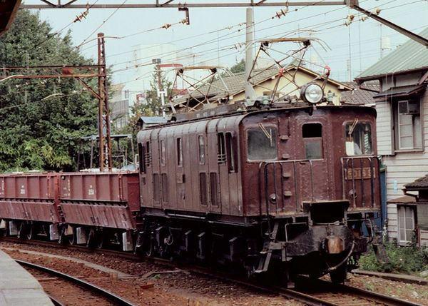ED16の引く貨物列車(立川
